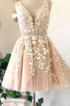Prom dresses short - Prom Dress Classy, Deep V Neck Ivory Sleeveless A Line Tulle Lace Appliques Pleated Homecoming Dresses – Prom dresses short V Neck Prom Dresses, Grad Dresses, Dresses For Teens, Dance Dresses, Dress Prom, Dresses Dresses, Formal Dresses, Champagne Homecoming Dresses, Wedding Dresses
