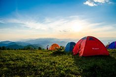 Choosing The Right Air Mattress Is As Important As Choosing The Right Tent Or Backpacks It Will Make A Huge Difference To Your Overall Experience. Best Backpacking Tent, Best Tents For Camping, Family Camping, Tent Camping, Campsite, Outdoor Camping, Group Camping, Camping Outdoors, Camping Checklist