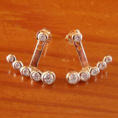 Contours d'oreilles à ACHETER MAINTENANT à l'adresse suivante: https://bijouxagogo.com/p/contours-lobes-d-oreilles-femme-plaque-or-18-carats-oxyde-de-zirconium-64574/