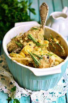 kouneli-sti-gastra Croissants, Greek Recipes, Kung Pao Chicken, Japchae, Thai Red Curry, Potato Salad, Chicken Recipes, Pork, Cooking Recipes