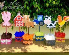 Pink Girl Farm Theme birthday party wood por RosiesPoshParties