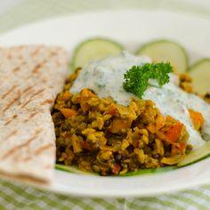 Lust auf Proteine? Linsen und Sojaflocken, orientalisch angemacht und mit frischem Gemüse sind nicht nur lecker, sondern bringen Power …