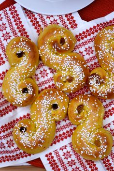 What To Eat on St. Lucia Day and Other Scandinavian Christmas Recipes