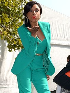 Jennifer Hudson in Green. LOVE
