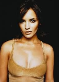Remember that late PSA where Rachel Leigh Cook just goes apeshit and smashes a kitchen up with her cast iron skillet because doing heroin is a really bad idea? I haven't seen that woman in nearly enough things lately. Beautiful Female Celebrities, Most Beautiful Women, Beautiful People, Cook Pictures, Best Funny Pictures, Instagram Girls, Instagram Models, Instagram Makeup, Rachel Leigh Cook
