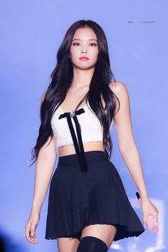 Jennie Kim at Blackpink Private Stage Blackpink Fashion, New York Fashion, Korean Fashion, Fashion Looks, Fashion Women, Blackpink Jennie, Stage Outfits, Kpop Outfits, Anime Outfits