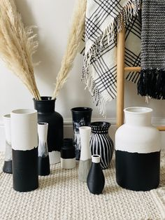 A collection of hand-painted glass vases, perfectly contrasting in black/white and textured to add luxe to your home decor. Size: 31 x 10 cm* Each vase is bubble wrapped and cardboard packed to ensure it arrives at your door as safe as when it left ours. approx* Black And White Living Room Decor, Black White Bedrooms, Black Bedroom Decor, White Room Decor, Black White Decor, Black And White Vase, Painted Glass Vases, White Bathroom Accessories, Home Decor Vases
