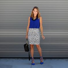 J's Everyday Fashion provides outfit ideas, budget fashion, shopping on a budget, personal style inspiration, and tips on what to wear. Blue Shoes Outfit, Blue Top Outfit, Business Professional Outfits, Professional Dresses, Business Attire, Printed Skirt Outfit, Printed Skirts, Work Fashion, Fashion Outfits