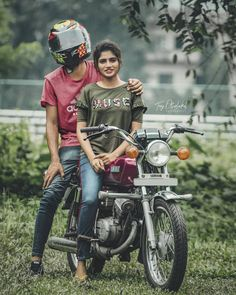 Photo Poses For Couples, Wedding Couple Poses Photography, Bike Photography, Bike Photoshoot, Couple Photoshoot Poses, Wedding Photoshoot, Joker Iphone Wallpaper, Cartoon Wallpaper Hd, Yamaha Rx100