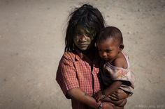 homeless children, India( Oh, I would love to hold them & comfort them)