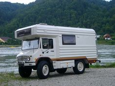 Continuing the recent spate of 404 offerings , here is a short series on 404 campers, radio box or not. Mercedes Benz Forum, Mercedes Benz Unimog, Vintage Motorhome, Vintage Rv, Bus Camper, Cool Rvs, Off Road Camping, Cool Campers, Custom Campers