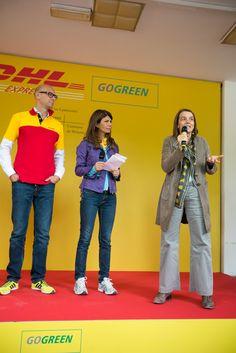 """Alberto Nobis (AD DHL Express Italy), Susanna Messaggio e l'assessora Chiara Bisconti: """"Milano è bella, e voi con il vostro giallo l'avete abbellita ancora di più"""" #yellowparade #gogreen http://www.dhllive.com/content/il-sogno-green-di-dhl"""