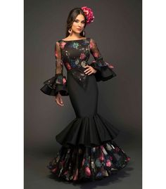 Home Decorating Ideas Kitchen and room Designs Elegant Dresses, Beautiful Dresses, Flamenco Costume, Spanish Dress, Spanish Style, Flamingo Dress, Spanish Fashion, Mexican Dresses, Dance Dresses