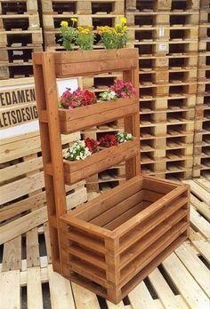 Jardines verticales con tarimas de madera. Jardines verticales DIY. #ideasconpalets #decoracionconpalets