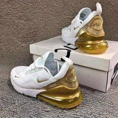 Cop oder Drop - Sneaker - - Damenschuhe - For Womens Cute Nike Shoes, Cute Nikes, Cute Sneakers, Nike Air Shoes, Shoes Sneakers, Gold Nike Shoes, Nike Gold, Nike Shoes For Kids, Shoes Heels