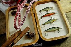 Zestawy prezentowe dla łowców pstrągów #wędkarstwo #prezenty #pomysłnaprezent Fish, Pisces