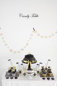 Ein grandioses Give Away als Dank für 4000 Facebook-Fans *YAY* & mein erster Candy Table – ein Traum in schwarz, weiß & gold *HURRA*
