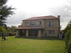 impecable , casa en venta en Los Pilares 3 dorm ( 1 en ste ) , dependencia de servicio , muy bien ubicada dentro del barrio .Casa - Venta - Pilar