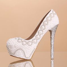 62.99$  Buy here - http://aliuj3.shopchina.info/go.php?t=1819839164 - 2016 new pearl white high with diamond bridal shoes Women wedding shoes bridal shoes handmade  with diamond thin Women pumps 379  #buychinaproducts