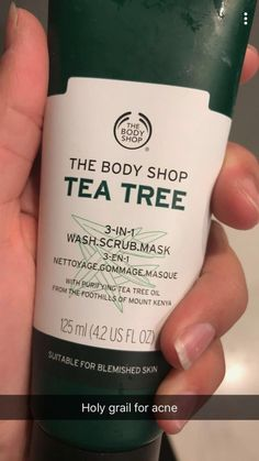 The Body Shop Tea Tree Wash Scrub Mask is a clean and mean multi-tasking foaming cleanser! This innovative mud formula with tea tree oil fights blemished skin with 3 actions. The Body Shop, Body Shop Tea Tree, Skin Care Regimen, Skin Care Tips, Skin Tips, Beauty Care, Beauty Skin, Beauty Hacks, Diy Beauty