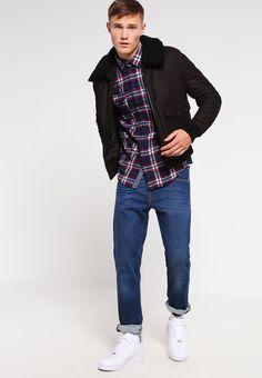 ¡Consigue este tipo de chaqueta de cuero de Redskins ahora! Haz clic para ver los detalles. Envíos gratis a toda España. Redskins INTERPOL PUNCH Chaqueta de cuero chocolat: Redskins INTERPOL PUNCH Chaqueta de cuero chocolat Ofertas   | Material exterior: 100% cuero | Ofertas ¡Haz tu pedido   y disfruta de gastos de enví-o gratuitos! (chaqueta de cuero, leather, suede, suedette, faux leather, polipiel, biker, ante, de cuero, lederjacke, chaqueta de cuero, veste en cuir, giacca in cuio)