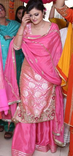 Where can you have this dress made to order ? Pakistani Wedding Outfits, Pakistani Dresses, Indian Dresses, Indian Outfits, Lehenga Wedding, Kurta Designs, Kurti Designs Party Wear, Punjabi Fashion, Bollywood Fashion