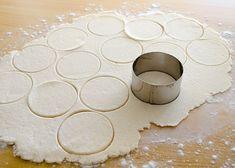lbs (about 3 cups) all-purpose flour + a… Dumplings Receta, Pasta Casera, Rick Bayless, Baking Sheet, Easy Healthy Recipes, Tapas, At Least, Rolls, Korean Food Recipes