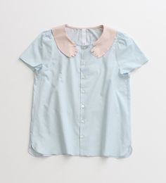 i really want this blouse with a creepy baby hands collar.