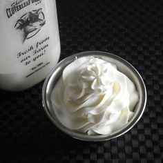 Stabilized Whipped Cream Frosting (gelatin, whip cream)