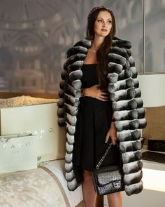 "691 mentions J'aime, 3 commentaires - ADAMO Fur & Leather (@adamofur) sur Instagram : ""Royal chinchilla long coat is made for exceptional person.  Discover excellent luxury outwear at…"""