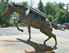 """Life-size monument of the Reckless was installed in Semper Fidelis Memorial Park, adjacent to the National Museum of the Marine Corps. The statue depicts the horse in an uphill climb. Reckless is the only Korean War horse honored at the park. Life Size Statues, Female Marines, War Dogs, Korean War, Horse Art, National Museum, Beautiful Horses, Zebras, Equestrian"