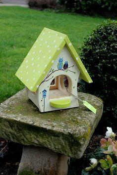 Nistkästen & Vogelhäuser - Vogelvilla / Vogelhaus // mit Eulen bemalt!! - ein Designerstück von Patricias-Traumwelt bei DaWanda