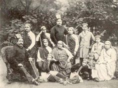 In this picture from the 1890ties You see the smallest child wears a Jhabla (Pharyah)