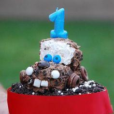 Disney CARS Birthday Party. Via Tip Junkie
