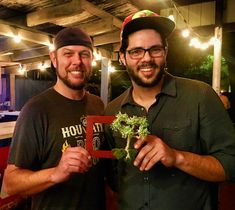 Was with John with #dowmoneytrees at The Patio on Richmond. Just picked up my money tree I commission from John. It's beautiful will last forever and will only continue to bring me more wealth and prosperity. What a great piece of art thanks John.  Producer/ Videographer / Photographer / Director/Editor: Alex Alvarez  A BECOMEALEX PRODUCTION - (A.P.E.R.) Book Me For Your Next Event or Project at:  www.Facebook.com/becomealex  See More Great Stuff. Visit: www.Youtube.com/becomealex  You Can…