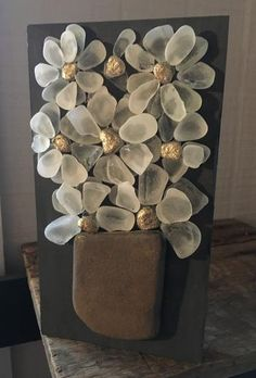 Teal Green Beach Glass Flowers on Salvage Wood - Small Sea Glass Crafts, Sea Glass Art, Stained Glass, Green Beach, Teal Green, Brick And Stone, Stone Art, Glass Garden Flowers, Christmas Baskets