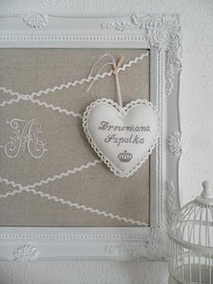 so sweet - love the white frame and burlap