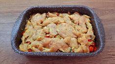 Lahodné zapečené kuracie prsia podľa receptu z youtube, ktoré sa oplatí vyskúšať.Chutia skvele a príprava je veľmi jednoduchá!Potrebujeme:2 kuracie prsiasoľbazalku1 PL horčice1 cibuľu200 g šampiňónov1 paprikučierne mleté korenie200 g tvrdého syra300 g bieleho jogurtu1 vajcePostup:Kuracie … Oven Chicken, Baked Chicken, Chicken Recipes, Keto Recipes, Cooking Recipes, Chicken Casserole, Vegetable Recipes, Food Videos, Macaroni And Cheese