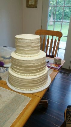 Wedding cake 3 tier for 50 people $75