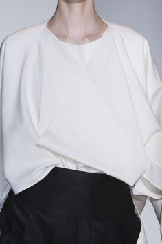 White draped blouse, chic fashion details // Ter et Bantine Fall 2014