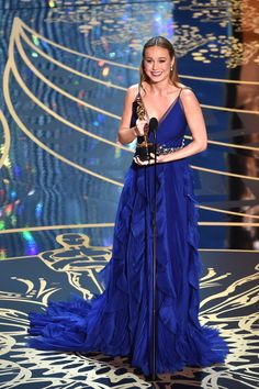 VOGUE NEWS OSCAR VINNERS 2016...29.2.2016  Brie Larson Accepts the Best Actress Oscar With Incredible Poise
