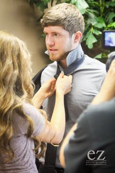 Jessa help Ben put his tie on Duggar Sisters, Jinger Duggar, Jill Duggar, Duggar Family Blog, Duggar Wedding, Jeremy Vuolo, Dugger Family, Happy New Year 2015, 19 Kids And Counting