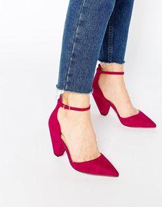 Chaussures à talons par ASOS Collection Tige en imitation daim Style minimaliste Bride de cheville Fermeture par boucle à ardillon Bout pointu Essuyer avec un chiffon doux Tige : 100% textile Talon : 8 cm (3 po)