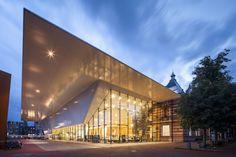 Stedelijk Museum of Modern and Contemporary Art Amsterdam, Netherlands by Benthem Crouwel Architects Architecture Amsterdam, Architecture Design, Museum Architecture, Architecture Portfolio, Amazing Architecture, Amsterdam Holland, Amsterdam City, Van Gogh Museum, Art Museum