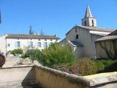 """la place de l'église à Cabrières d'Avignon depuis la terrasse de la chambre 1 du """"Vieux Bistrot"""""""