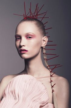 Coiffeur : Christophe Gaillet | Photographe Weronika Kosinska | L'Oréal Professionnel #coiffure #ECHOScoiffure #loreal #art #cheveux