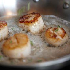 Recipes | Pan-Seared Scallops with Prosecco Butter Sauce | Sur La Table