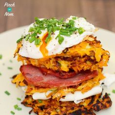 I am always on the look out for interesting, healthy breakfast ideas and this certainly ticks those boxes. How cool is it to be able to include carrots in your breakfast? That is certainly starting the day off in the right way with some veggies, eggs and bacon. As well as tasting great and doing wonderful things for your body, it also looks light and vibrant... yummy!