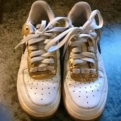 check out a4e4e f8acc Nike air force ones Nike air force ones... In decent condition. Stars. Damskie  NikeButy