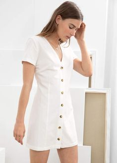 And other stories Hourglass Cotton Blend Mini Dress Hourglass Cotton Blend Mini Dress - White - Mini dresses - & Other Stories Older Women Fashion, Womens Fashion, Cheap Fashion, Affordable Fashion, White Mini Dress, Flower Dresses, Mini Dresses, Fashion Story, Looks Cool